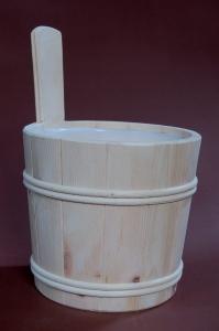 Sauna-Aufgusskübel 5 l mit Holzreifen aus Zirbenholz