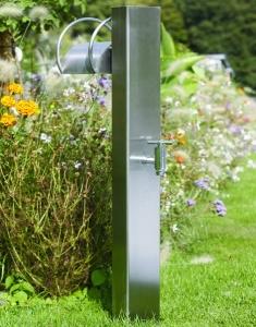 Wasserentnahmestelle mit Schlauchhalter