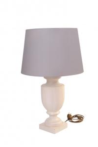 Tischleuchte aus Holz gedrechselt - klassische Form mit grau/braunem Lampenschirm