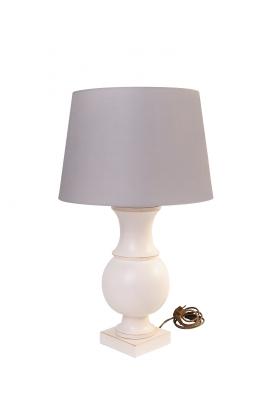 Tischleuchte aus Holz - runde, ballig gedrechselte Form mit grau/braunem Lampenschirm