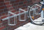Fahrradklemme / Fahrradst&auml;nder -Monaco-, zur Wandmontage (Einstellpl&auml;tze/Einstellwinkel/Radabstand/L&auml;nge:  <b>3er 90&deg;</b>/500mm/1500mm (Art.Nr.: 10697))