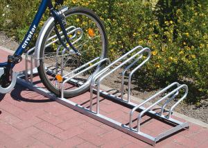Fahrradständer -Nil Bügelmix-, Reihenanlage - für normale und Mountainbike-Räder, verschweißt (Radstände/Radeinstellung/Länge:  <b>3er</b>,einseitig/1050mm (Art.Nr.: 10754))