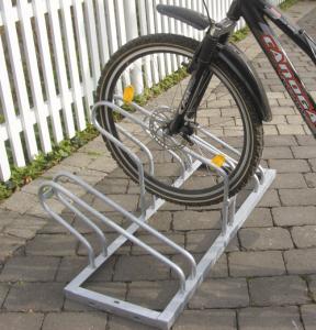Fahrradständer ein- und beidseitige Radeinstellung (Einstellplätze/Radeinstellung/Tiefe/Länge: 3er/ <b>einseitig</b>/500mm/ <b>1050mm</b> (Art.Nr.: 420.30))