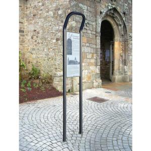 Informationspfosten -Time- aus Stahl, zum Einbetonieren, mit Blanko-Schild (Farbe: RAL 3004 purpurrot (Art.Nr.: 22057-01))