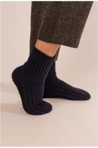 Kuschelige Hüttenfinken Pantoffeln ULLIVISTA von KUNA (Größe: grey/black L)