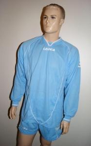 Legea-Trikot-Set - Londra skyblau - Fußball Trikot u. Hose (Größe: L)