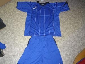 Zeus-Trikot-Sets - Monaco - Fußball 13 Trikots u. Hosen  azurblau (Größe: 13 x XL)