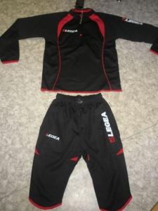 Trainingsanzug Pinocchietto schwarz/ rot v. LEGEA (Größe: XL)