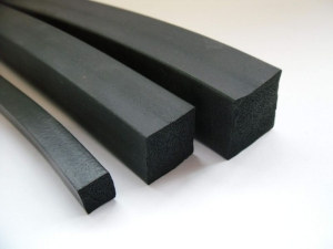 100 Meter EPDM Vierkantprofil 3mm Stärke ca. 15° Shore A verschiedene Breiten (Abmessung: 100 Meter 10mmx3mm)
