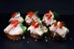 Schlemmer Canapés mit Rächerforelle  auf Roggenbrot (Anzahl - Schlemmer Canapés mit Rächerforellenfilet: 10 Canapés)