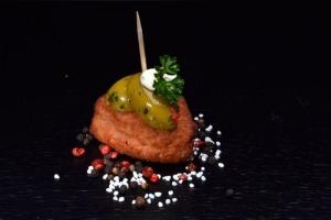 Fleischbällchen-Fingerfood (Gewicht - Feinkost Hinterschinken: 15 Stück Schnitzelchen-Fingerfood-)