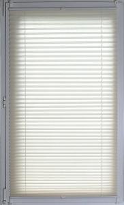 Plissee Brisa Lichtschutz ohne Bohren   beige - Breite 50 - 110 cm (Breite des Raffrollos / Ösenrollos: 50 cm x 140 cm)